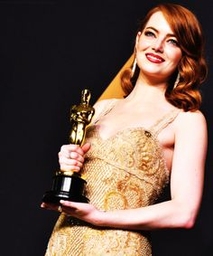 Emma Stone, winner of Best Actress for 'La La Land,' poses in the press room during the 89th Annual Academy Awards at Hollywood & Highland Center on February 26, 2017 in Hollywood, California Pinned by @lilyriverside