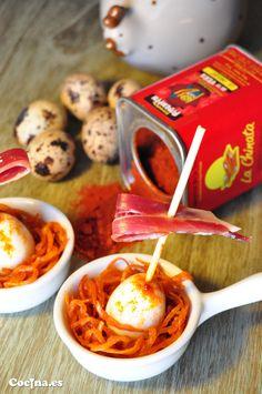 Receta: gilda de huevo de codorniz y jamón ibérico sobre nido al pimentón ☛ http://www.cocina.es/2015/04/24/receta-gilda-de-huevo-de-codorniz-y-jamon-iberico-sobre-nido-al-pimenton/