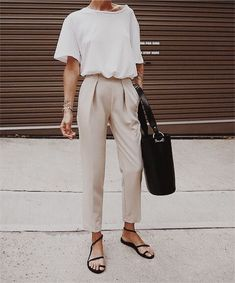 Casual Outfit Neutral outfit inspo simple outfit idea classic outfit tapered outfit smart and . Neutral outfit inspo simple outfit idea classic outfit tapered outfit smart and casual outfit light tones outfit spring outfit inspo Mode Outfits, Chic Outfits, Spring Outfits, Summer Fashion Outfits, Dressy Outfits, Girly Outfits, Outfit Summer, Office Outfits, Dress Summer