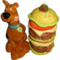 Treasure Craft Scooby Doo & Stacked Hamburger Salt and Pepper Shakers