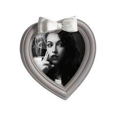 PORTAFOTO IN RESINA M985   Portaritratti in resina bicolor, sagoma a cuore, con decorazione fiocco sul top.