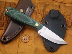 Enzo necker 70 sandvik steel scandi ground green micarta handle leather or kydex sheath. Kydex Sheath, Bushcraft Knives, Handmade Knives, Fixed Blade Knife, Knives And Tools, Survival Knife, Steel, Knifes, Leather