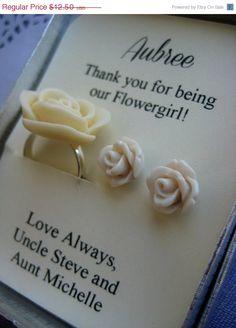 Leuk idee om een cadeautje met bloemetjes aan de bloemenmeisjes te geven