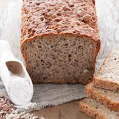 Wholemeal Rye Bread Quick and easy Wholemeal Rye Bread with sunflower seeds, linseed and bran. Bread Recipes, Baking Recipes, Cake Recipes, Bread Bun, Bread Rolls, Rye Bread, Baking Tins, Bread Baking, Polish Recipes