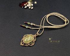 Macrame Gemstone Necklace, Macrame Pendant, Crystal Necklace Nostalgie Art #macrame #macramenecklace #gemstonenecklace #crystals #etsy #handmade #etsylove Macrame Jewelry, Etsy, Metallic, Vintage, Nostalgia, Craft Gifts, Schmuck, Vintage Comics