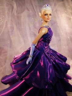 """Her Royal Highness, Queen Constanczia"" by Karen Kay - MetroDolls Charity Auction 2008"