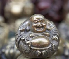 Tips for the Best Feng Shui Use of the Laughing Buddha