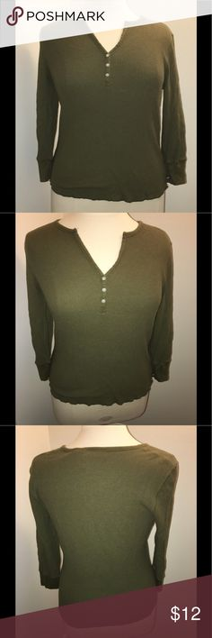 ☀️☀️Polo jeans Ralph Lauren thermal! ☀️☀️ Olive green Polo Jeans Co v-neck long sleeved Henley. Buttery soft!!! Great condition! Polo By Ralph Lauren Tops Tees - Long Sleeve