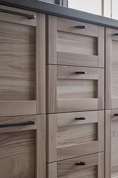 walnut kitchen cabinets the best way to clean black wood 1000 ideas about ikea torhamn duurzame deurtjes die mooi oud ogen wooden