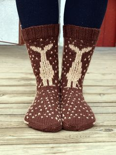 KARDEMUMMAN TALO/ socks on Finnish blog...couldn't find pattern