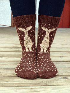 KARDEMUMMAN TALO/ socks on Finnish blog...couldn't find pattern