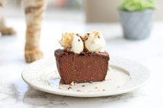 Fondant au chocolat de la paresseuse (4 ingrédients) - Tiph'Enjoy Sweet Recipes, Healthy Recipes, Vegan Desserts, Gluten, Banana Bread, Caramel, Muffin, Pudding, Snacks