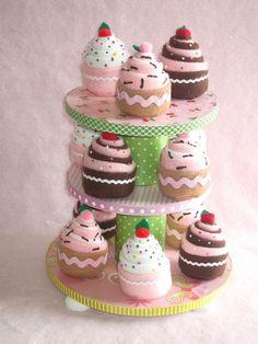 TEa PaRTy PLay CaKEs BAKERS DOZEN More