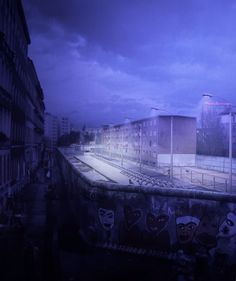The view from the West could look like this. The artist Yadegar Asisi consists of a panorama of the daily routine on both sides of the Berlin Wall on an autumn day in the 1980s at Checkpoint Charlie at the corner of Friedrichstraße and Zimmerstraße. The Berlin Wall was a barrier that divided Berlin from 1961 to 1989. #Berlin