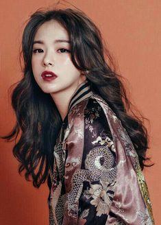 9 Korean Makeup Looks – My hair and beauty Korean Makeup Tips, Asian Makeup, Eye Makeup, Make Up Looks, Korean Short Haircut, Pretty People, Beautiful People, Foto Portrait, Looks Chic