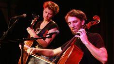 Roos Galjaard en Sebastiaan Wiering. Zang gitaar en cello, een schitterende combinatie.