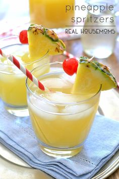 Pineapple Spritzers (2 Cup pineapple juice 2 Cup citrus sparkling water 1/2 Cup lemon simple syrup juice of 1 lemon)