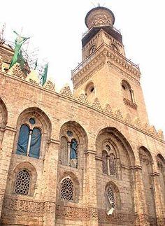 واجهة مسجد السلطان قلاوون .. القاهرة