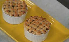 Para servir na hora da festa, as tortinhas individuais são mais charmosas e práticas