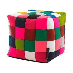 #Puff cubo en patchwork de #colores multiples.