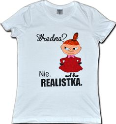 Koszulka ręcznie malowana specjalnymi farbami do tkanin. Motyw: Mała Mi Możliwość zamówienia dowolnej koszulki. Little My, Malaga, Humor, Logos, Mens Tops, T Shirt, Fashion, Supreme T Shirt, Moda