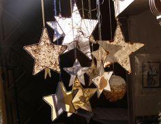 Photos von Sternen aus selstgeschöpftem Papier - Buchkleid: Papier schöpfen