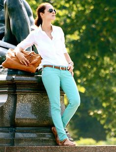 white button down, teal skinny jeans, brown belt, brown leather sandals, brown leather slouchy bag