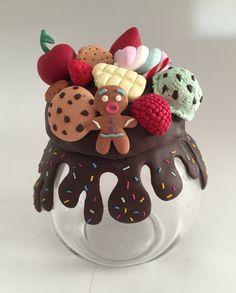 Tutorial bote decorado Fimo (arcilla polimérica) chocolate y galletas.  Ploimer clay jar tutorial. chocolate melted and cookies. ice cream, strawberry