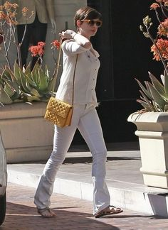 Anne Hathaway Photos: Anne Hathaway Out in LA