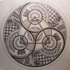 In this post, we look at how the Freemasons contributed to society in the world of politics, art, business and more. This is why Freemasonry needs to live! Sacred Geometry Symbols, Sacred Geometry Tattoo, Alchemy Symbols, Magic Symbols, Zentangle, Arte Viking, Motif Art Deco, Magic Circle, Mandala Drawing