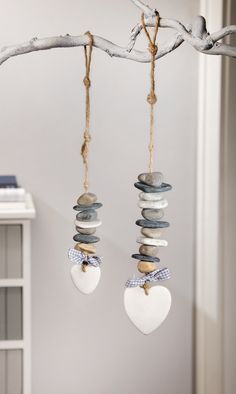 "Deco-Hanger ""Steinherz"", set of 2 – # # DekoHänger … - Home Page Driftwood Crafts, Seashell Crafts, Beach Crafts, Driftwood Mobile, Stone Crafts, Rock Crafts, Diy And Crafts, Diy Décoration, Pebble Art"
