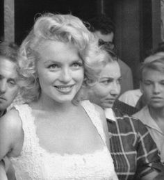 Marilyn Monroe - August 10, 1957 - leaving the New York City Hospital after suffering an ectopic pregnancy (image mirrored)