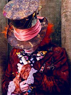 sólo el gran mad hatter lleva mantelitos de la mesa de noche en las mangas con estilo