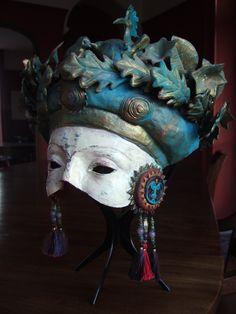 hoopoe crown | Clive Hicks-Jenkins' Artlog.