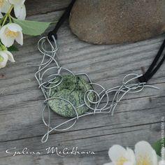 """Купить Ожерелье со змеевиком """"Лесная нимфа"""" - эльфийское, зеленый, Ожерелье ручной работы"""