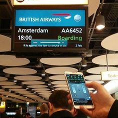 #digitalsignage #fail at #London #Heathrow #T5 #Samsung #JCDecaux #Padgram