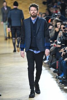 """Junya Watanabe Makes Old Look Cool for Utilizing patchwork and heritage style in """"Silver Swagger. Milan Fashion Weeks, New York Fashion, Paris Fashion, Mens Fashion, Comme De Garson, Stockholm Street Style, Paris Street, Spring 2015 Fashion, Jamie Chung"""
