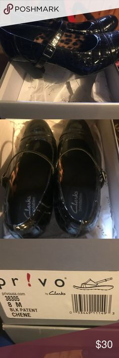 Clark's Women's shoes These Clark's shoes are absolutely stunning. Perfect for work or a night out. Black patent. Excellent used condition. Only worn a couple times. Clarks Shoes Heels