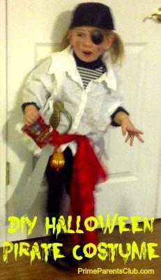 DIY Pirate Halloween Costume for $10 #Halloween #pirates #costumes #DIY