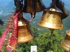Con Nepal en nuestros corazones comenzamos el día con esta foto de campanas de oración en el famoso templo de Manakamana. Prayer Bells at Manakamana Temple, Nepal | Flickr - Photo Sharing! Mayura restaurante & lounge - Barcelona.