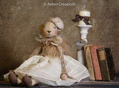 Sono felice di condividere l'ultimo arrivato nel mio negozio #etsy: Bambola in stoffa dipinta a mano