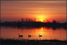 Ondergaande zon bij het Oosterduinsemeer