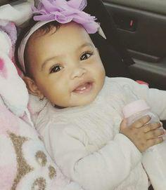 Cute little baby Cute Mixed Babies, Cute Black Babies, Beautiful Black Babies, Cute Little Baby, Baby Kind, Pretty Baby, Cute Baby Girl, Beautiful Children, Little Babies
