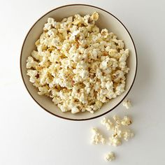 Some of your favorite snacks might actually be aiding in keeping you slim! Tasty eats like popcorn & more are shown to stave off hunger. These certain foods have just the right combination of nutrients, volume, flavor, and even texture to help control appetite.