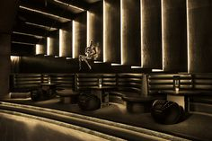 Dynamic elevated seating area. G__hyde_miami_2 gplus design