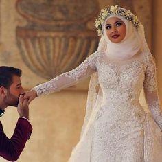 9d2ea51069 Arab Hijab Saudi Arabia Modest Muslim Wedding Dress Long Sleeves Lace Beads  Over Skirt Mermaid