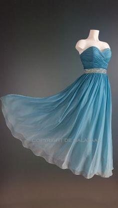 Ijsblauwe jurk met ombre kleureffect 3089