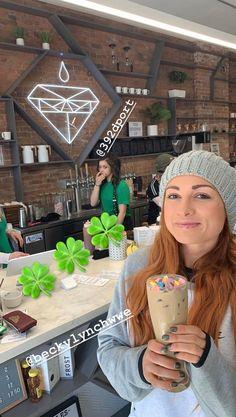 Becky lynch at Seth's coffee shop ❤️Rollynch❤️ Wwe Seth Rollins, Seth Freakin Rollins, Wrestling Stars, Women's Wrestling, Becky Lynch, Wwe Outfits, Fashion Outfits, Becky Wwe, Rowdy Ronda