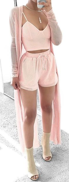 All pink in this gorgeous top shorts and duster