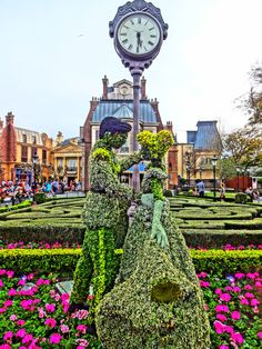 Cinderella and Prince Charming  Topiary - Epcot Flower and Garden Festival 2016